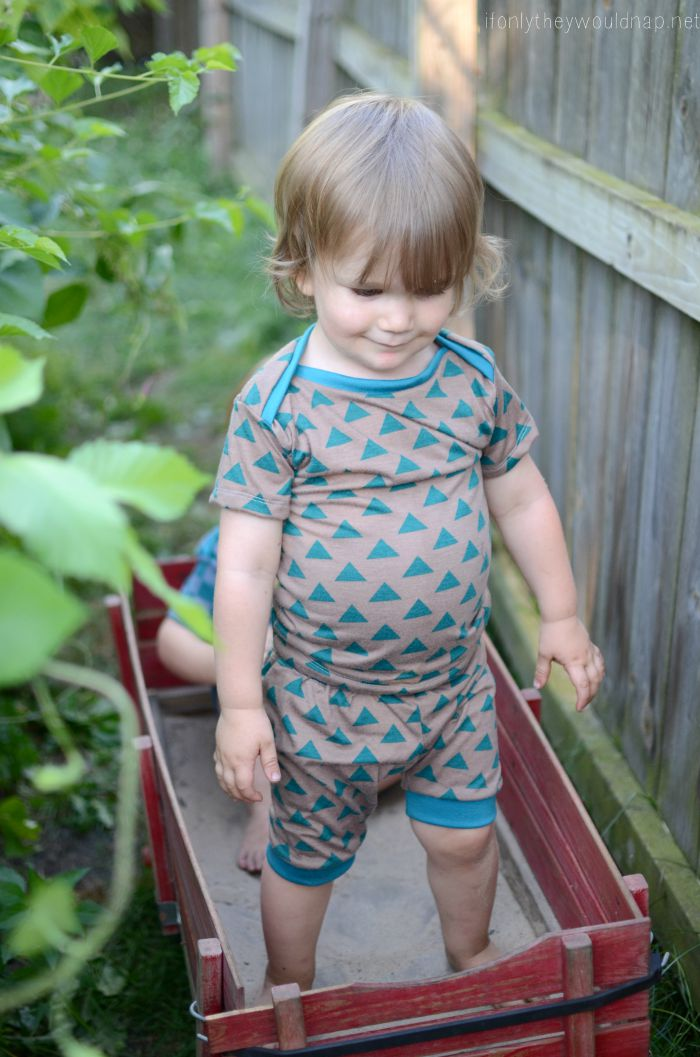 Sleepover Pajamas Sewing Pattern by Blank Slate Patterns - sewn by If Only They Would Nap - Melly Sews