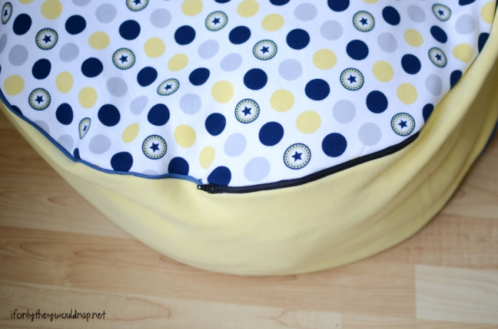floor cushion with zipper